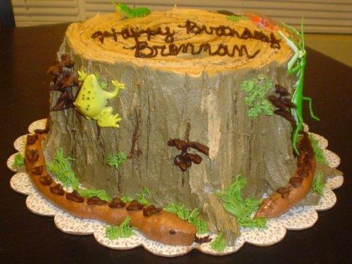 snakey-stump-cake